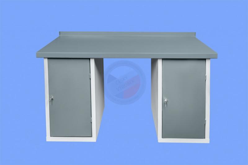 DÍLENSKÉ PRACOVNÍ STOLY - Dílenský pracovní stůl se dvěma stolovými skříňkami s policemi